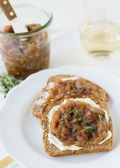 Caramelized Onion and Garlic Jam - Baked Bree Onion Recipes, Jam Recipes, Canning Recipes, Appetizer Recipes, Appetizers, Carmelized Onions, Onion Jam, Marmalade, Garlic