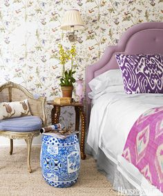 10 Purple Bedroom Ideas - Lavender and Lilac Bedroom Decor Ideas Lilac Bedroom, Purple Bedrooms, Guest Bedrooms, Bedroom Colors, Modern Bedrooms, Master Bedroom, Single Bedroom, Pretty Bedroom, Bedroom Bed