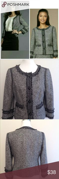 "The limited collection tweed fringe blazer Beautiful blazer cute with jeans 3/4 sleeves  Black & white tweed in 69% polyester/ 31% viscose rayon. Fully lined, fringe edges, cute buttons :) Excellent condition. Bust: 38""waist: 36""  arm(under to cuff): 14""  length: 22"" The Limited Jackets & Coats Blazers"