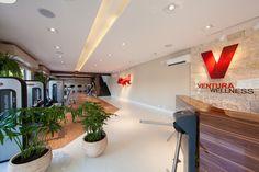 Ventura Wellness - Pesquisa Google Academia Fitness, Wellness, Google, Table, Furniture, Home Decor, Decoration Home, Room Decor, Home Furniture