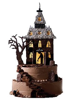 haunted chocolate house cake for halloween party Hallowen Food, Halloween Sweets, Halloween Cakes, Halloween Party, Halloween Graveyard, Halloween Gingerbread House, Gingerbread Houses, Festa Hotel Transylvania, Cake Recipe Martha Stewart