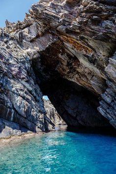 Cova del Dimoni, Cap de Creus, Costa Brava
