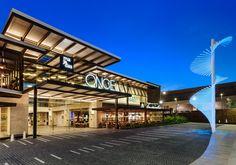 Image from Majadas Once by Darcon - Taller de Arqutiectura in Guatemala. Shopping Mall Architecture, Retail Architecture, Architecture Design, Plaza Design, Mall Design, Retail Design, Mall Facade, Retail Facade, Building Exterior
