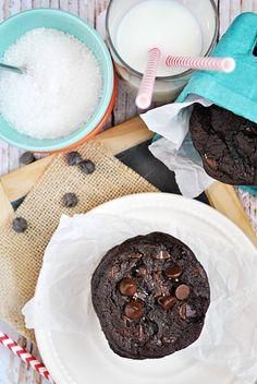 Hershey's Special Dark Triple Chocolate Pudding Cookies | www.somethingswanky.com