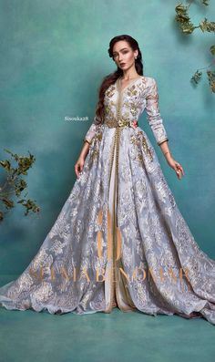 Selma ben omar new collection 2019 BRIDAL Morrocan Fashion, Morrocan Dress, Kaftan Moroccan, Arab Fashion, Muslim Fashion, Caftan Dress, Hijab Dress, Jeans Rock, Mode Inspiration