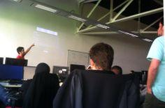 @JonAnhp en plena formación interna de reciclaje en el departamento de desarrollo #nodejs #grunt #bower