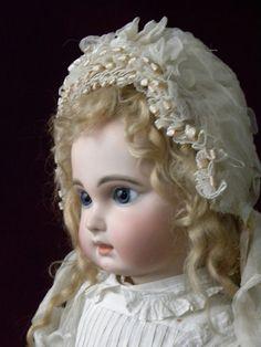 """Stunning Jumeau bébé bearing the rare marking """"DEPOSE"""" in size 11, Paris, 1880s, from the boutique at Musée de la Poupée-Pari #dollshopsunited"""