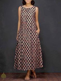 Black-Ecru Ajrakh-printed Cotton Dress by Jaypore Elegant Party Dresses, Trendy Dresses, Casual Dresses, Fashion Dresses, Dress Neck Designs, Designs For Dresses, New Dress Pattern, Dress Patterns, Linen Dresses