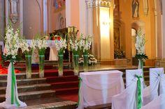 Dekoracja ołtarza na ślub