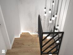 Schody styl Skandynawski - zdjęcie od OES architekci Stair Landing Decor, Staircase Wall Decor, Staircase Handrail, Staircase Design, Flur Design, Modern Interior, Interior Design, Apartment Entryway, Hallway Designs