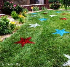 The {DIY Patriotic Lawn Stars} that everybody loves!