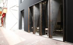 Tucked away in Tai Hang, an enclave just minutes from the retail beehive of Causeway Bay, new hotel Tuve tries its best to remain unassuming, surrounded by nondescript tenements, devoid of signage and clad in gunmetal black. Inside, the minimalist visi...