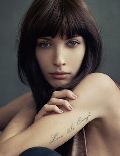 Select Model Management   AMANDA HENDRICK's portfolio