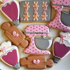 Get inspired for your next baking project by viewing a variety of decorated cookies made from Ann Clark Cookie Cutters. Fancy Cookies, Iced Cookies, Cut Out Cookies, Cute Cookies, No Bake Cookies, Cookies Et Biscuits, Cupcake Cookies, Sugar Cookies, Baking Cookies