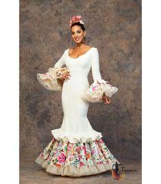 trajes de flamenca 2019 mujer - Aires de Feria - Vestido de gitana Guapa Indian Fashion, Womens Fashion, Trumpet Skirt, Spanish Style, New Product, Fabric Design, Colours, Gowns, Costumes
