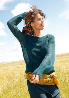 Federgewicht Nur knapp 100 Gramm wiegt der Pullover aus feinem Mohairgarn. Topaktuell und feminin: die weiten Ärmel und der breite Bund. Alle Bündchen sind mit zwei Fäden gestrickt, das Übrige glatt rechts mit einem Faden.