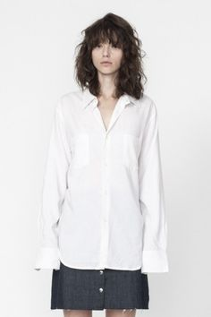 Shop the Long Sleeve Box Cut Linen Shirt in White on Well Made Clothes now! #ethicalfashion #sustainablefashion #ethicalclothing #womensfashion #fashion #clothes #springclothes #springstyle #springfashion #springjeans #summerstyle #buttonup #buttonupshirt #ethicalshirt #han #wellmadeclothes