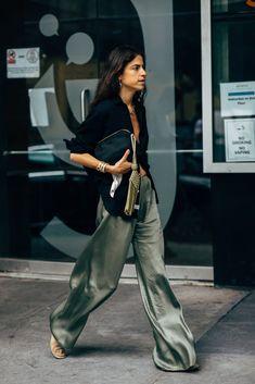 Belted crinkled-gauze jumpsuit New York Fashion Week's Best D. - Belted crinkled-gauze jumpsuit New York Fashion Week's Best Dressed Look Fashion, Star Fashion, High Fashion, Cool Fashion Style, Fashion Spring, Fashion Style Women, Latest Fashion, Womens Fashion, Xl Fashion