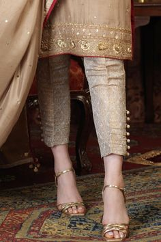 Salwar Designs, Kurta Designs Women, Kurti Designs Party Wear, Stylish Dress Designs, Designs For Dresses, Kurtis With Pants, Indian Designer Suits, Patiala, Fashion Pants