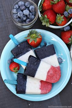 Firecracker Fruit Pops for a healthy 4th of July treat!