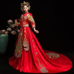 Fashion New Tailing Long Satin Dress Cheongsam Gown Chinoise Married Qi Pao Women Chinese Wedding Dresses Orientale Bride Qipao Chinese Wedding Dress Traditional, Chinese Style, Traditional Dresses, Vestidos Vintage, Vintage Dresses, Chinese Gown, Chinese Dresses, Cheongsam Wedding, Style Chinois