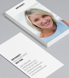 New View: put a name to face with a card that highlights both. This sophisticated design shows you know the business, without sacrificing its modern flair. #moocards #businesscard