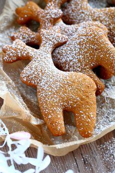 Kerrankin löytyi pipariohje, jossa parasta on taikinan sijasta kypsät, pehmeä. Christmas Sweets, Christmas Baking, Cake & Co, Sweet Pastries, Gingerbread Cookies, Cake Recipes, Cake Decorating, Goodies, Food And Drink