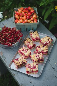 Another currant recipe? And these bars are also incredible. I made these a few weeks ago with my mom while I was back home for the I always love going back home to cook and bake in the su… Sweets Recipes, Snack Recipes, Snacks, Desserts, Red Current Recipes, Currant Recipes, Sweet Cooking, Recipe Filing, Kitchens