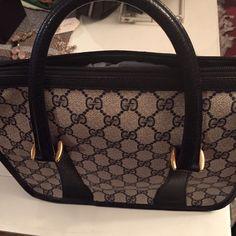 Vintage Gucci handbag Vintage Gucci navy and white handbag Gucci Bags Satchels