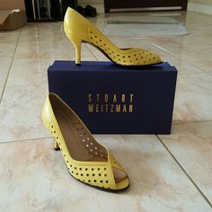 yellow Stuart weitzman heels worn to a few occasion, very well kept and is in excellent condition. 7.5m Stuart Weitzman Shoes Heels