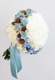 bukiet ślubny goździk niebieski