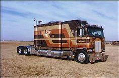 rig sleeper more big rigs 18 wheelers truck cars semi trucks kenworth . Show Trucks, Big Rig Trucks, Old Trucks, Pickup Trucks, Truck Drivers, Custom Big Rigs, Custom Trucks, Customised Trucks, Semi Trucks For Sale