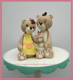 Teddy family Cake topper Designer cakes, cupcakes and sugarcraft by Mel SugarMama http://www.sugarandspicecakes.co.nz
