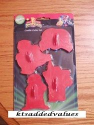 Wilton Mighty Morphin Power Rangers Cookie Cutter Set of 4 1994 : KTs Added Values, Collectibles Home and Kitchen Decor