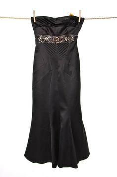 Czarna #sukienka z ozdobnymi kamieniami #Karen #Millen | #wzorcownia Like #oscar #dress