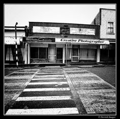 Signs of the recession in Eltham, Taranaki Region New Zealand     Tips on how to create your online photo album Learn more @ http://www.photopinns.com