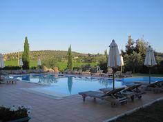 pool area for drinks and relax time    area piscina per l'aperitivo e momenti di relax