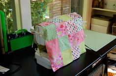 For those of you who adore patchwork like me, here's an absolutely adorable and easy project to sew up a patchwork sewing machine cover by Jessie Keating of Tiny House that's featured on Sew, Mama,...