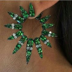 Beautiful emeralds and diamonds earrings