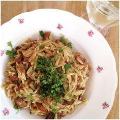 Het lijkt wel rijst maar het is pasta. #orzo met paddestoelen, tijm en peterselie. #chicascooking