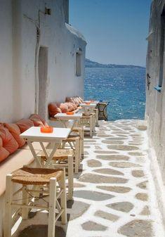 Seaside Cafe, Mykonos, Grecia foto via santorini Dream Vacations, Vacation Spots, Places To Travel, Places To See, Travel Destinations, Wonderful Places, Beautiful Places, Amazing Places, Seaside Cafe