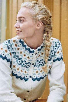 Pattern calls for Tumi but you can substitute Rauma Finullgarn or Rauma Inca Alpakka. Cardigan Design, Knit Cardigan, Knitting Patterns Free, Free Pattern, Icelandic Sweaters, Tumi, Sarees, Knitwear, Knit Crochet