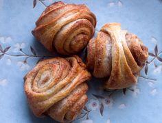 Cinnamon & Cardamom Buns......looks pretty good