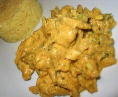 Poulet a l indienne  800G poulet, 200G oignon, 100G crème fraiche, 10G curry, 100G raisins blancs, 50G noix coco, 15G huile d'olive