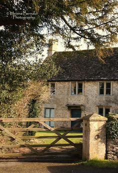 Just love the warmth of an old English Home