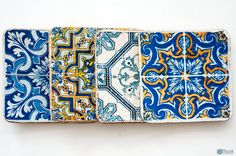 Set of 4 round wooden coasters with Azulejos  portuguese