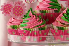 Swirly white chocolate cupcakes {in watermelon colors!}