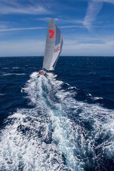 StudioBorlenghi  Te gusta · jueves    Rolex Sydney Hobart Yacht Race 2012    XI, WILD OATS XI, Sail No: AUS 10001, Owner: Robert Oatley, Design: Reichel/Pugh 30 Mtr, LOA (m): 30.5, State: NSW Protected by Copyright
