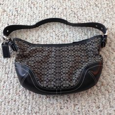 Authentic Coach Signature Shoulder Bag Authentic Coach Bag. Used but still in great condition! Coach Bags Shoulder Bags