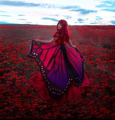 Poppy flowers Poppy Flowers, Beautiful Things, Poppies, Victorian, Red, Dresses, Fashion, Vestidos, Moda